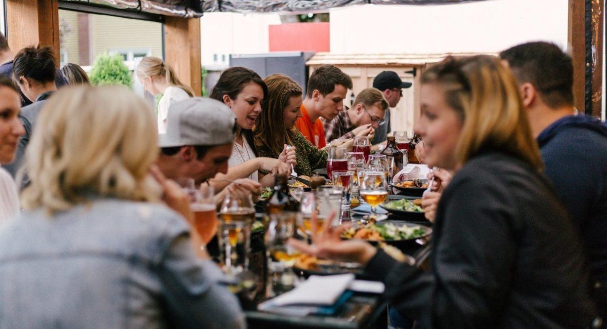 Jak-kontrolować-swoje-porcje-w-restauracjach